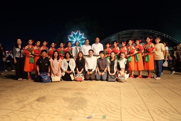 ร่วมงานแสดงเวทีกลาง งานกาชาดมะขามหวาน นครบาลเพชรบูรณ์ ประจำปี2560