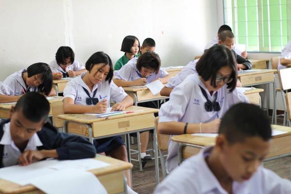 โรงเรียนเพชรพิทยาคมจัดสอบธรรมสนามหลวง ประจำปีการศึกษา 2560
